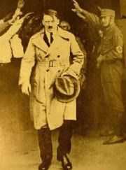 180px-Hitler_1930_Petit.jpg